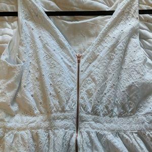 Jessica Simpson maternity dress white